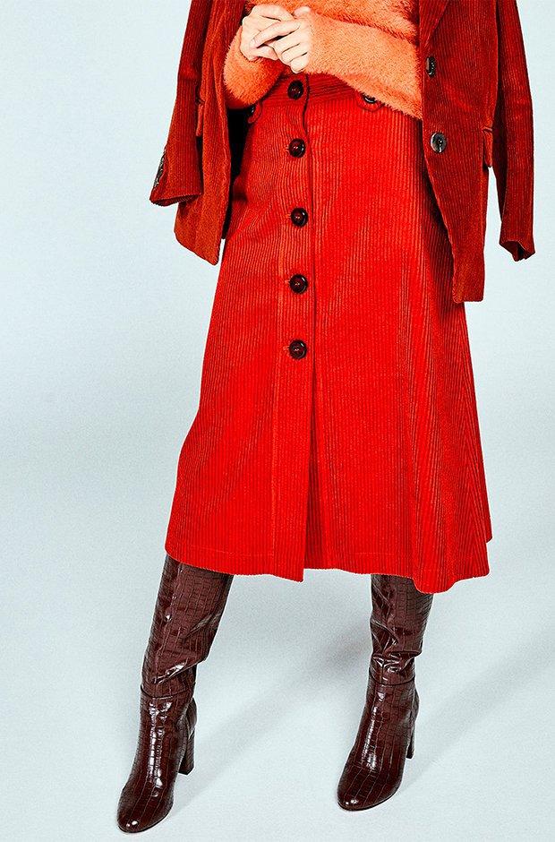 Falda midi roja de pana