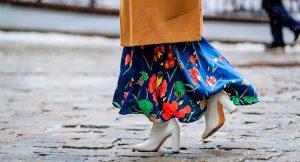 Falda midi, la prenda que no dejarás de usar en todo el año