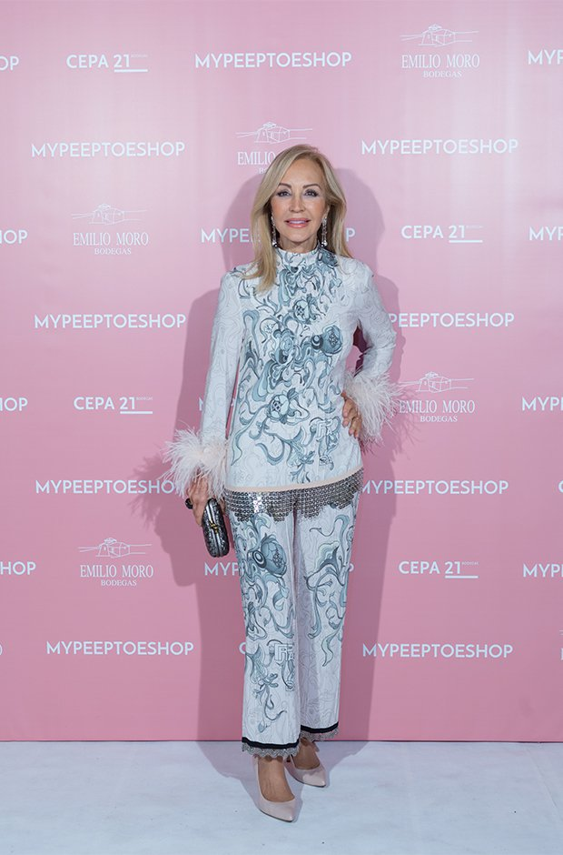 Carmen Lomana en la fiesta de aniversario de Mypeeptoesshop