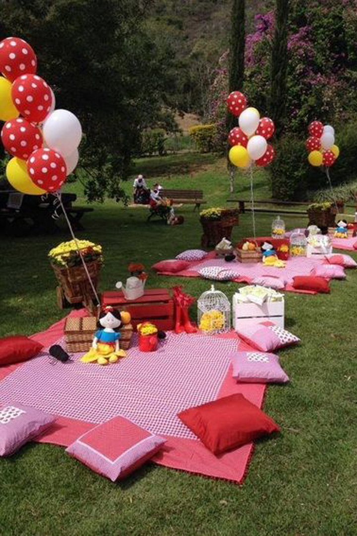 Ideas para fiestas infantiles stylelovely for Decoracion jardin ninos