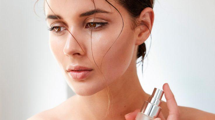 Cómo usar el fijador de maquillaje