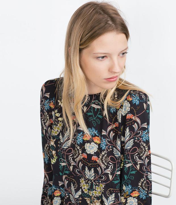 Vestido de estampado floral de Zara