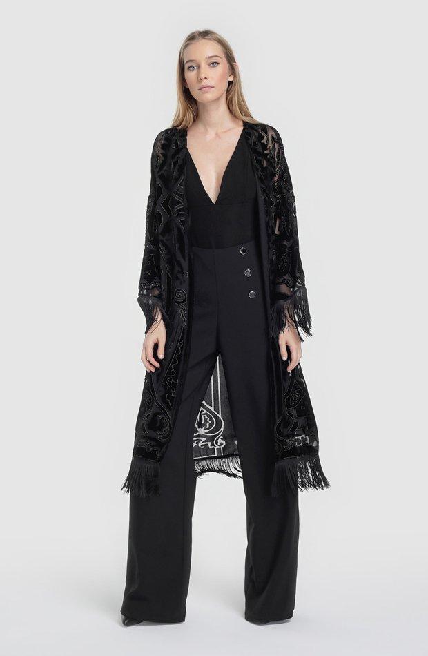 Kimono con terciopelo y flecos de Fórmula Joven: chaqueta temporada 2019