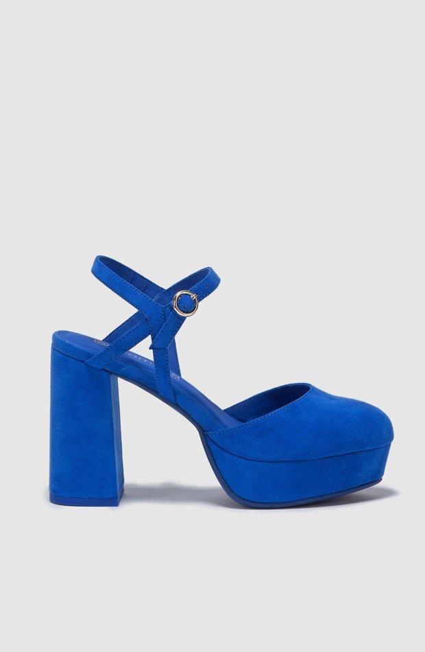 Sandalias de tacón en azul de Fórmula Joven: zapatos primavera