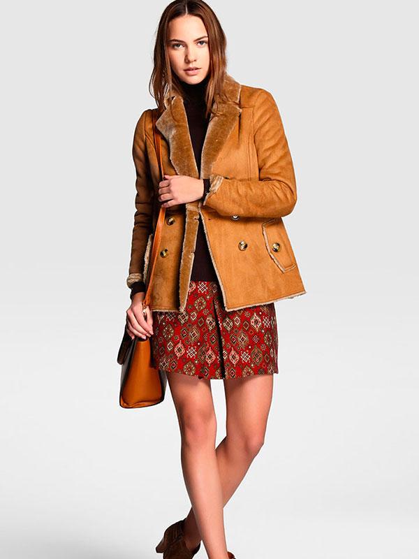 formula_joven-abrigo_doble_faz_marron-ropa-que_llevar_universidad.