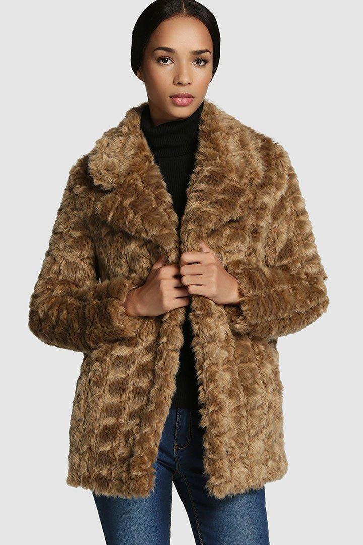 eab16fb8509 Abrigo de pelo marrón de El Corte Inglés