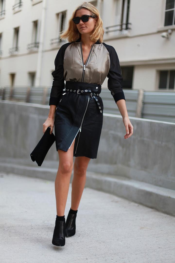 La blogger Anenorah con minifalda negra - Fórmula Joven