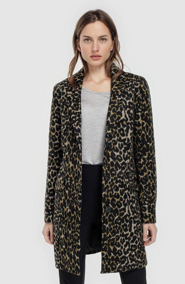 Abrigo con estampado animal y dos bolsillos de Freequent: abrigos tendencia