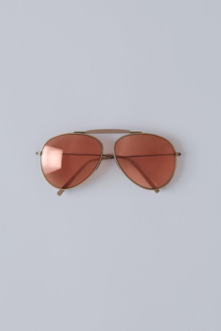 Las gafas de sol amarillas que llevarás esta temporada - StyleLovely dcadb6cce087