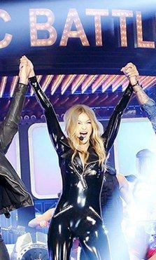 Gigi Hadid nos sorprende con su increíble actuación con los Backstreet Boys