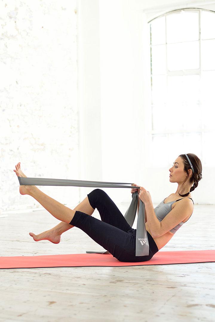Correa de Yoga para facilitar la realización de Pilates