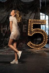 Chanel: un perfume, un look