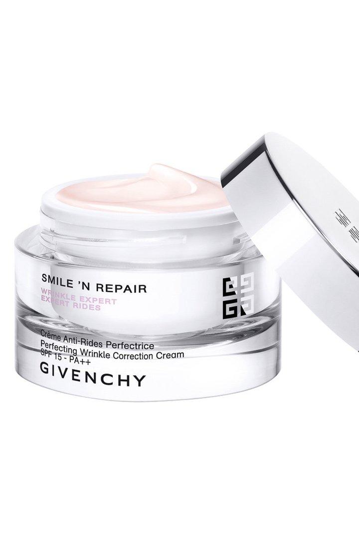 Crema de Givenchy smile and repair