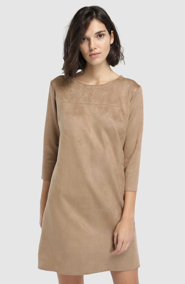 Vestido corto en color camel de Guitare: prenda invierno vestidos