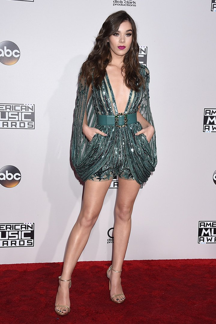Hailee Steinfled american music awards