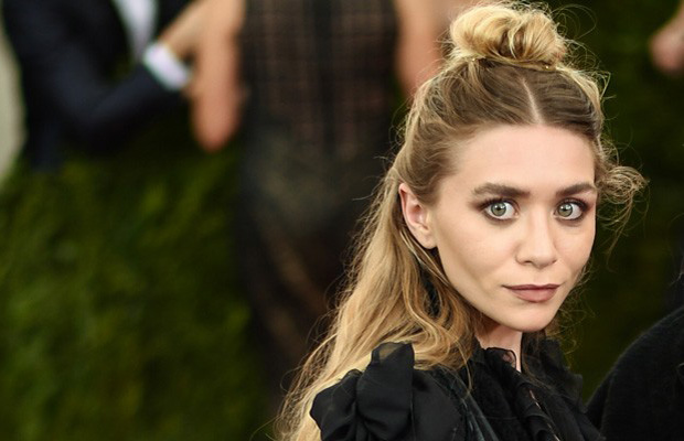 Ashley Olsen lleva half bun