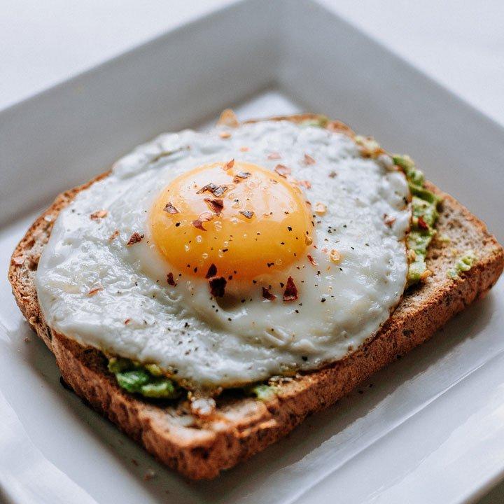 Huevo: alimentos caída cabello