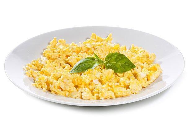 Los huevos revueltos sacian y son saludables