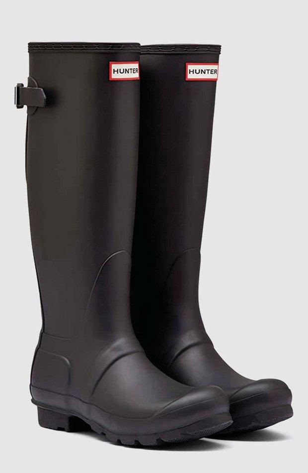 Botas de agua de color negro con hebilla ajustable de Hunter: propuestas dias de lluvia