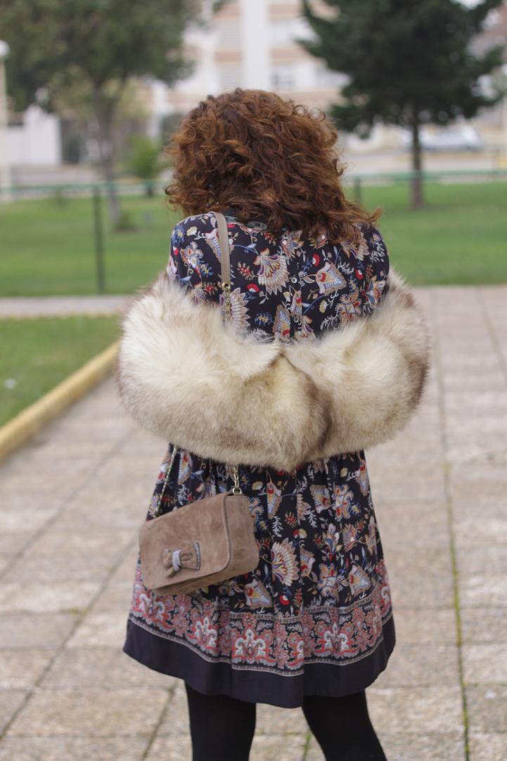 Look Vestido Boho & Cuello de Pelo-77-stella