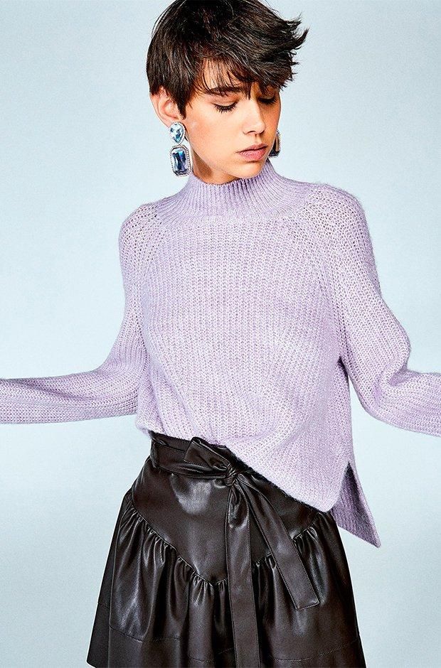 Jersey con aberturas y cuello perkins de color lila