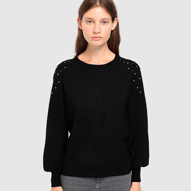 Jersey negro con perlas