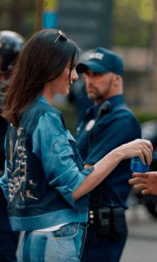 "Kendall Jenner ""devastada"" por la polémica del anuncio de Pepsi"