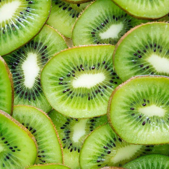 Kiwi: alimentos caída cabello