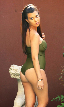 Kourtney Kardashian posa desnuda
