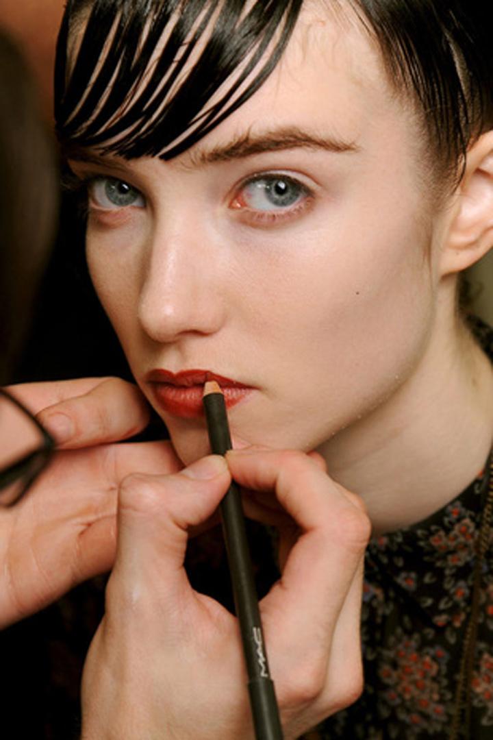 tus labios deben ser perfilados despues de pintados