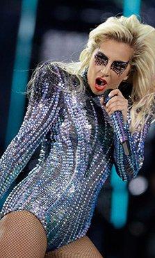 Así fue la espectacular actuación de Lady Gaga en la Super Bowl