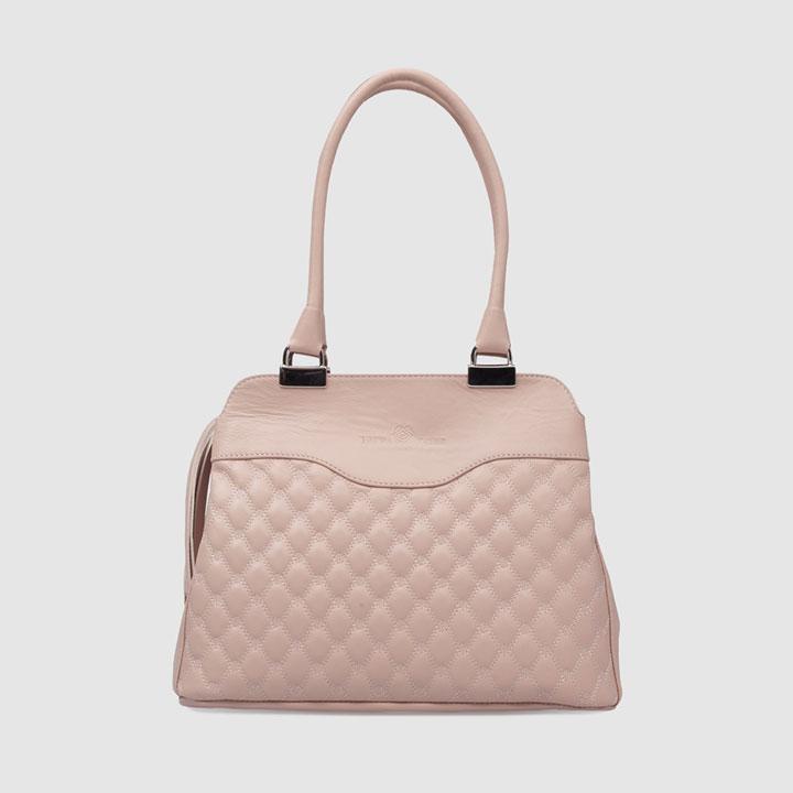 Shopping acolchado de Laura Valle: bolsos próximos meses