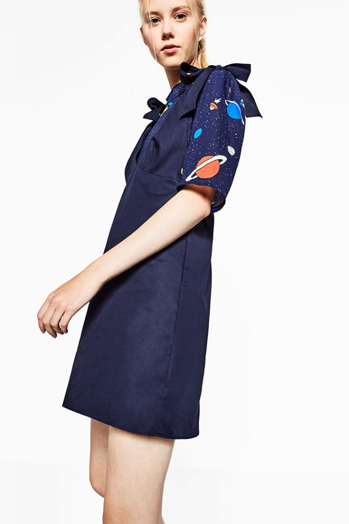 Vestido con lazos de Zara