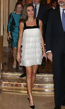 Sabemos el secreto que hay detrás de las piernas bronceadas de la Reina Letizia