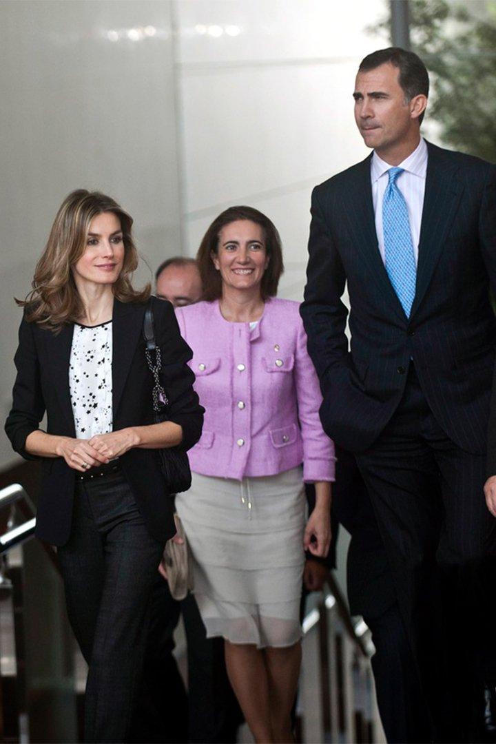 La Reina Letizia con camisa de massimo tutti