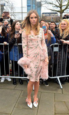 Suki Waterhouse London Fashion Week Otoño Invierno 2016