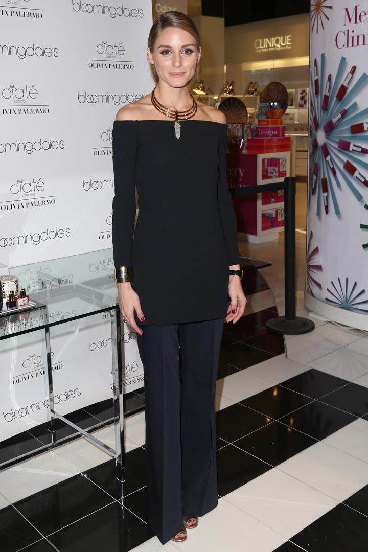 Olivia Palermo con un estilismo total black