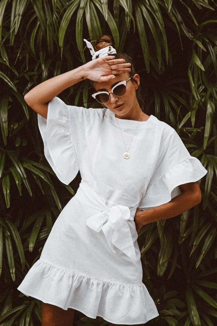 Con pañuelo: peinados invitada verano 2018