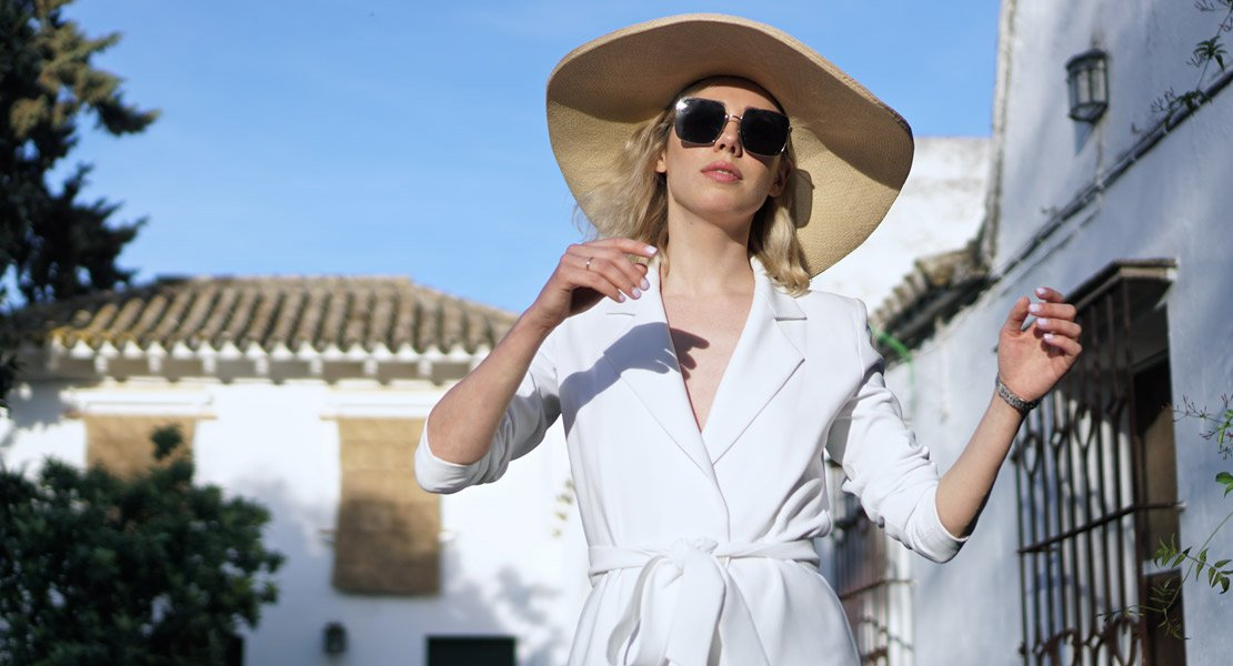 Lulumai con un look total white: Tendencias infalibles verano