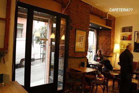 Planes con niños: Cafetería con cine!-3285-joanasaldon