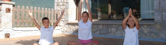 Campamentos de verano para niños: Yoga-3930-joanasaldon