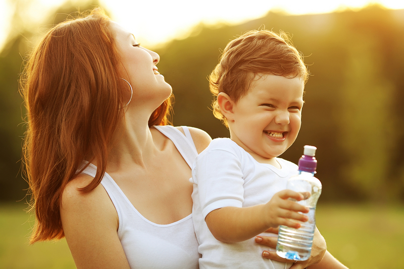 Hidratar a los niños durante los viajes-20447-joanasaldon