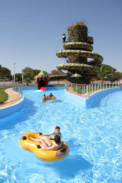 Hoteles en el algarve para ni os aquashow park hotel - Banarse con delfines portugal ...
