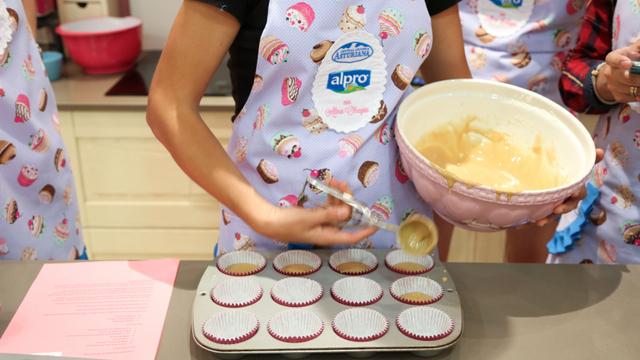 Taller de cocina alma obregon cupcakes mamas viajeras for Canal cocina alma obregon