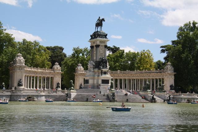Barcas en El Retiro de Madrid-11118-joanasaldon