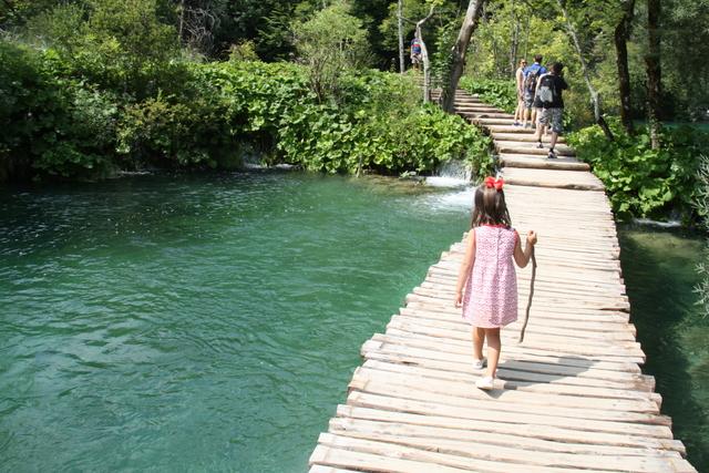 Alojamientos para ni os en parque nacional lagos plitvice for Plasticos para lagos artificiales