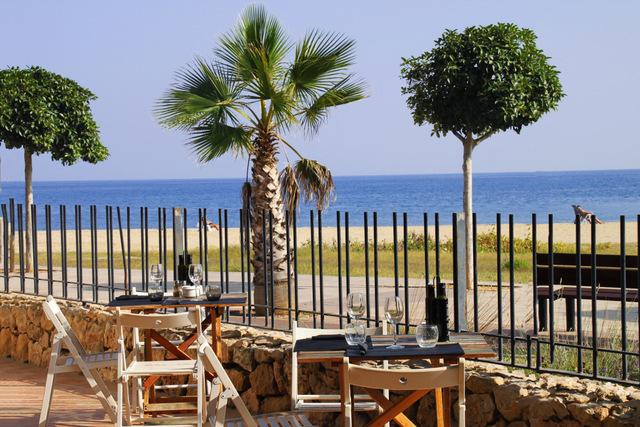 Campings para ir con ni os campings tarragona turismo for Camping con piscina climatizada en tarragona