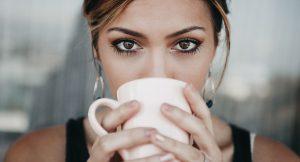 15 productos de maquillaje para que tus ojos parezcan más grandes