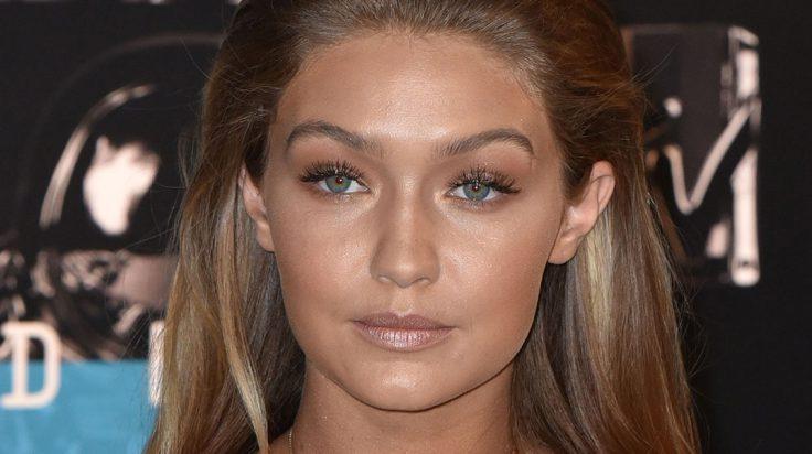 Gigi Hadid con Maquillaje ligero de verano