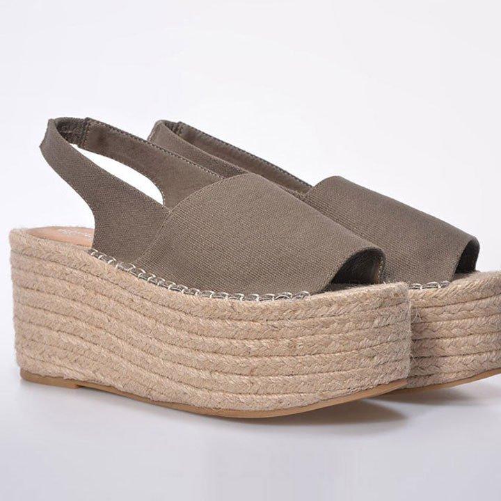 a4cf1bcece6 Aprovecha los últimos días de verano para lucir estas sandalias ...